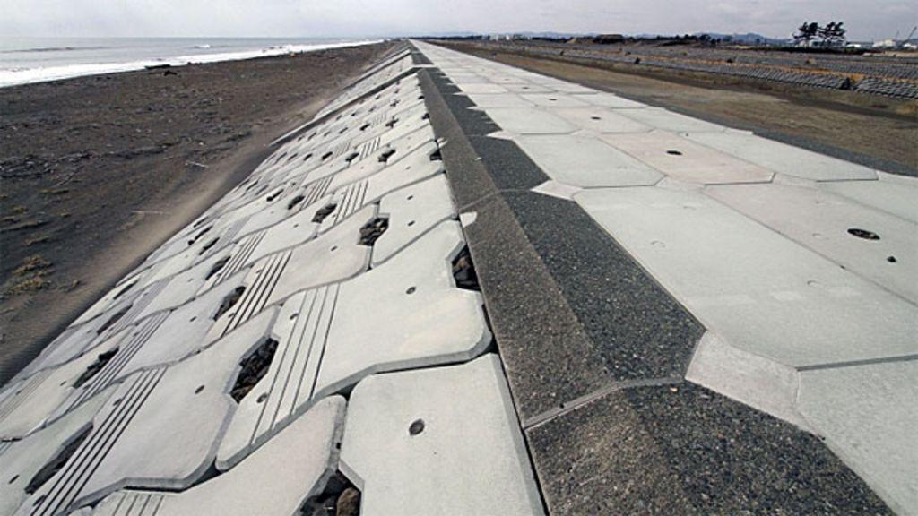 Japão constrói muralha contra tsunamis - BBC Brasil