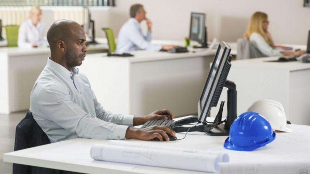 Pesquisa indica que passamos tempo demais sentados no trabalho ...