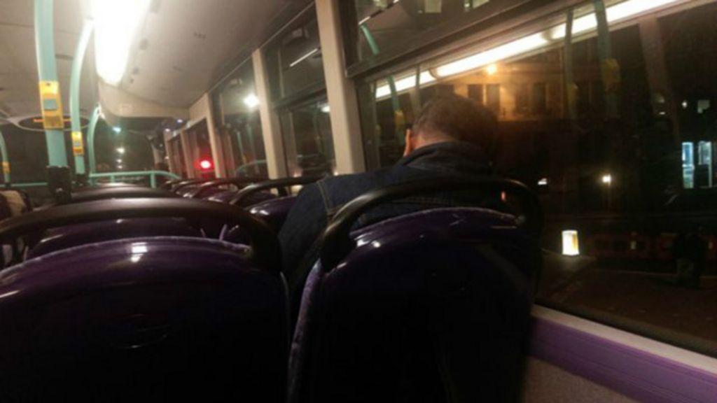 Imigrante ilegal em Londres dorme há 3 anos 'andando de ônibus ...