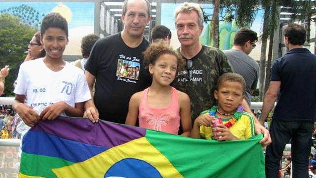 'Ninguém mais pode dizer que não somos uma família' - BBC Brasil