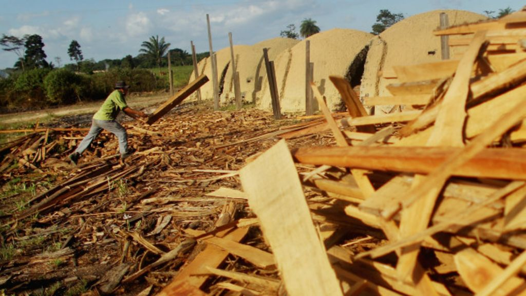 Governo 'dribla' STF e cria nova lista do trabalho escravo - BBC Brasil