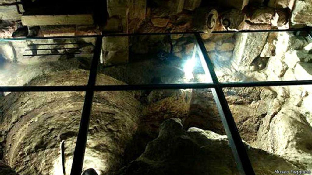 Família italiana descobre tesouro arqueológico durante reforma de ...