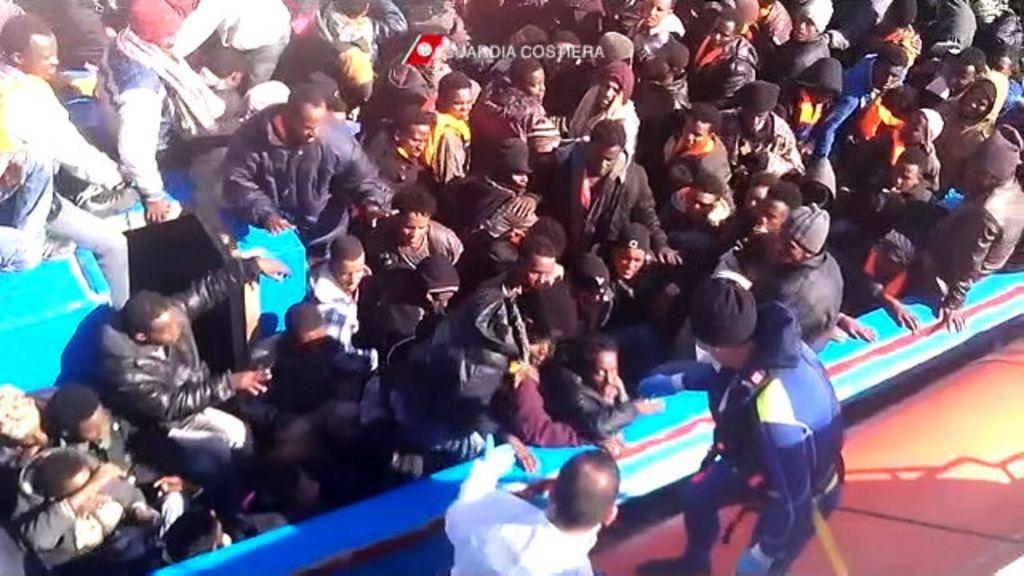 Tragédia no Mediterrâneo pressiona UE a tomar atitude sobre ...