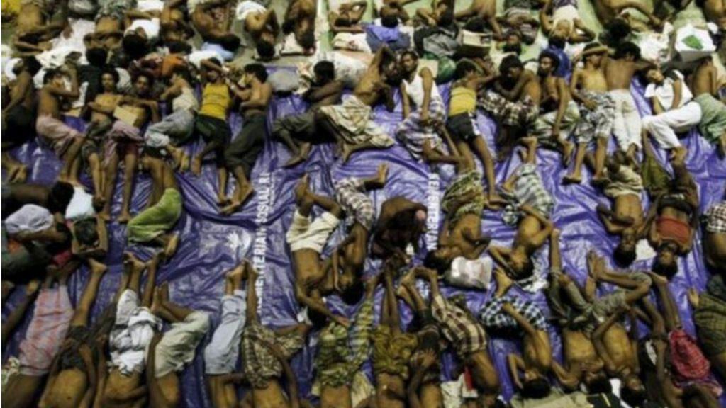 Milhares de imigrantes de etnia muçulmana perseguida ficam à ...