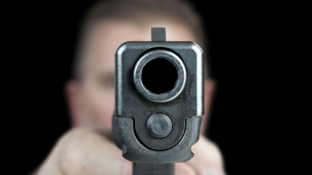 Armas de fogo matam 116 por dia no Brasil, diz estudo - BBC Brasil