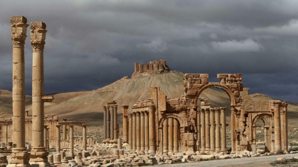 'Estado Islâmico' toma cidade histórica na Síria - BBC Brasil