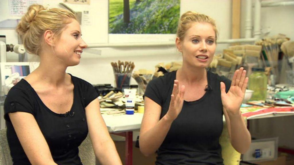 Gêmeas artistas pintam a 4 mãos e 'lêem pensamento' uma da outra ...