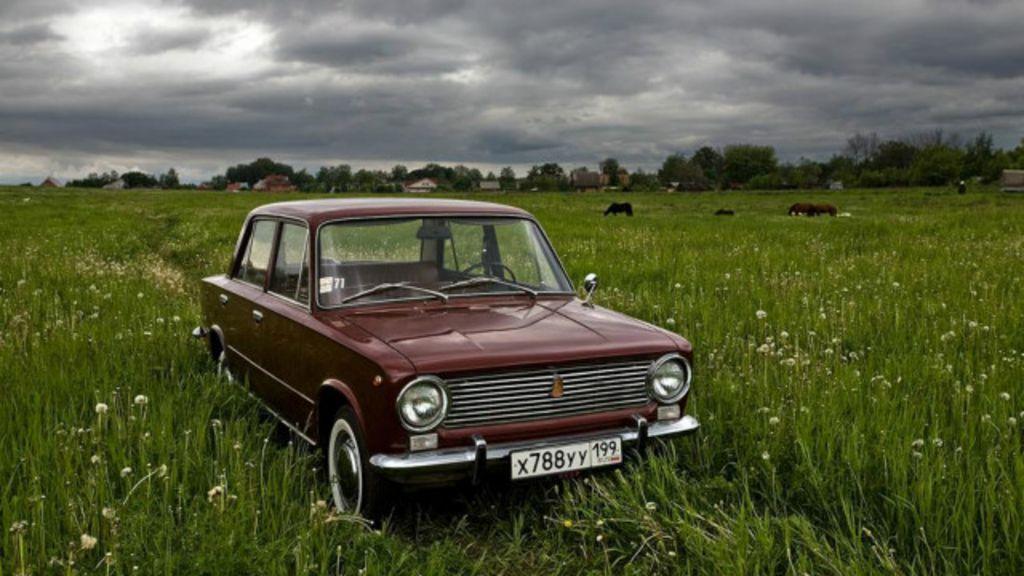 Carros da era soviética ganham nova vida com colecionadores ...