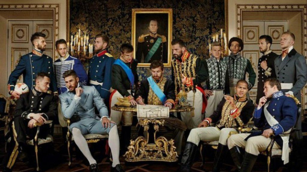 Jogadores do Zenit São Petersburgo comemoram título vestidos de ...