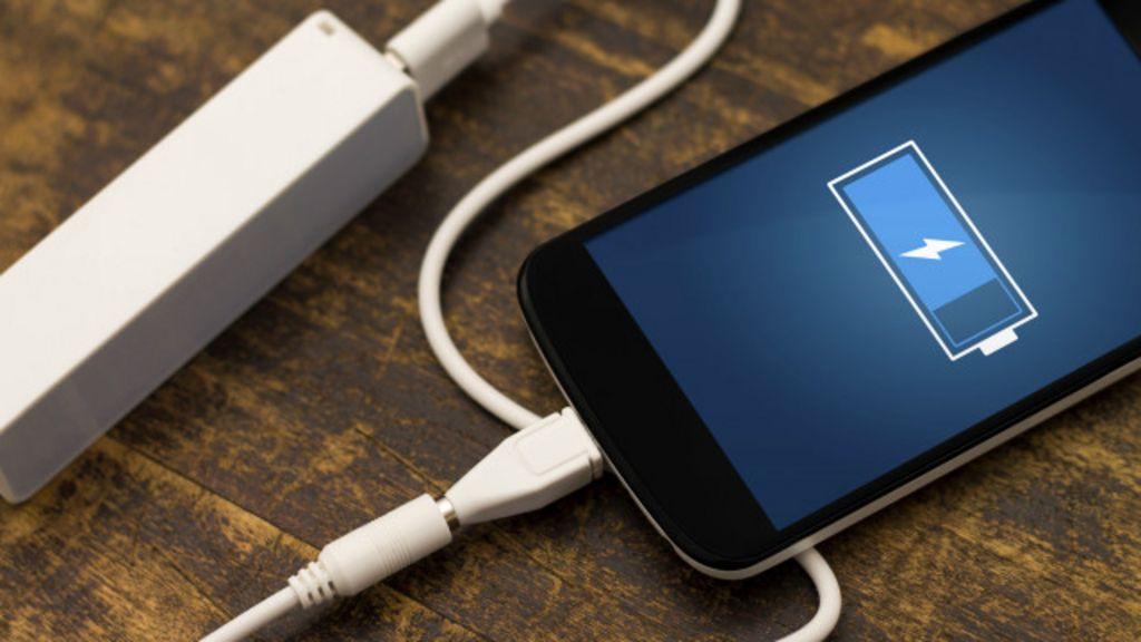 6 mitos sobre as melhores maneiras de carregar o celular - BBC Brasil