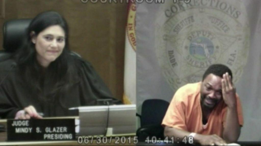 Drama e choro no tribunal: o reencontro entre juíza e acusado em ...