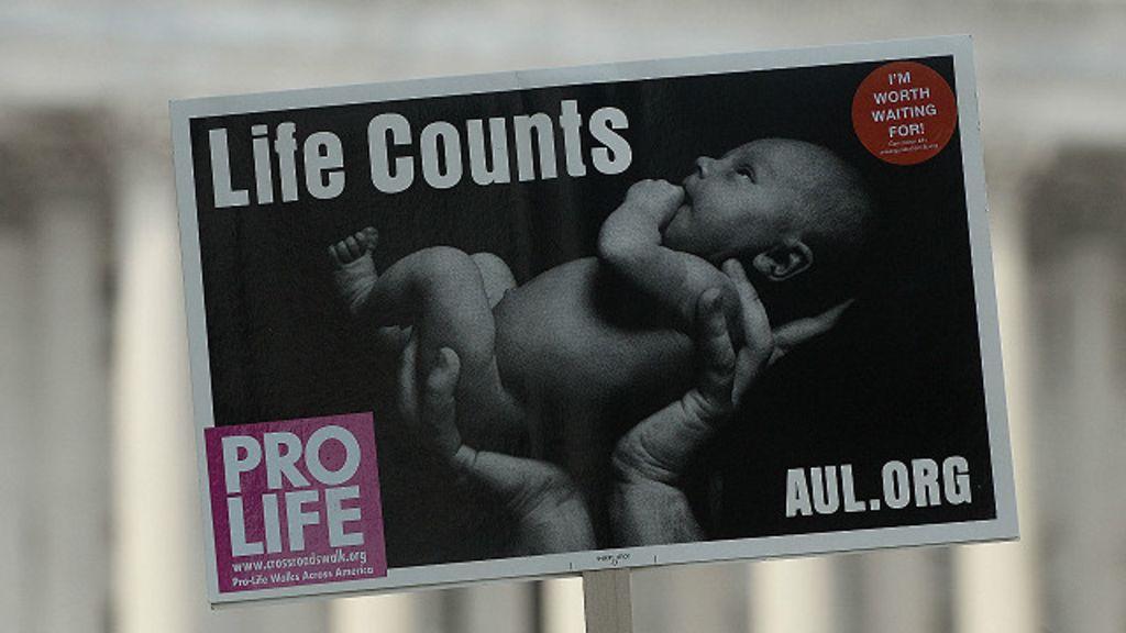 Doação de tecidos de fetos abortados causa polêmica nos EUA ...