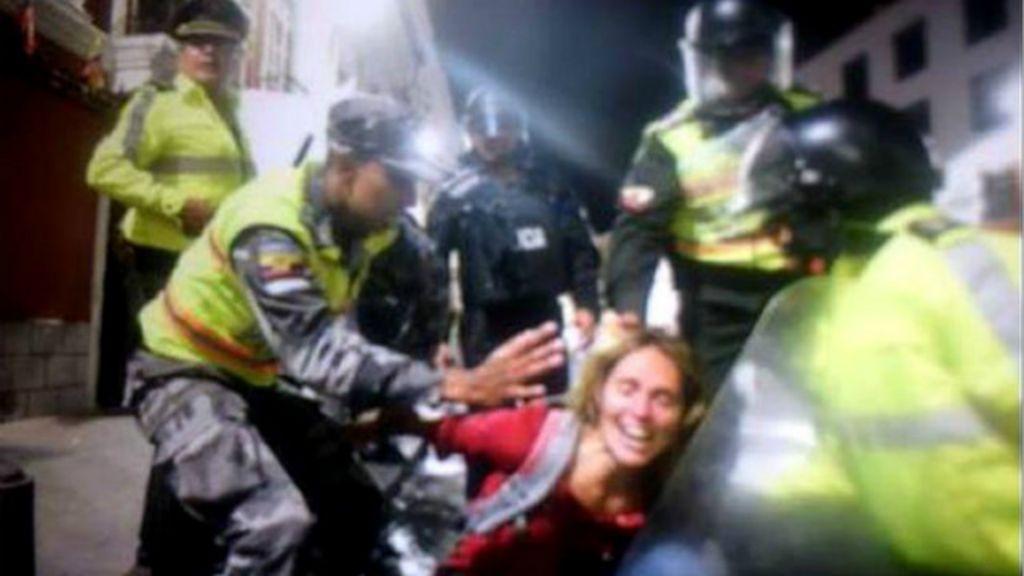 Jornalista brasileira é presa e tem visto cassado após protesto no ...