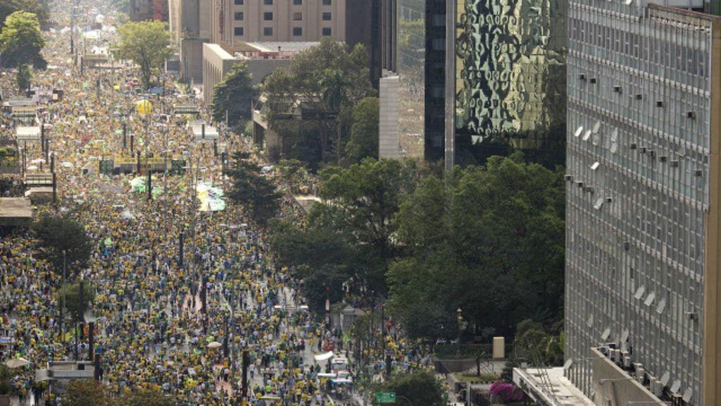 Brasil tem dia de protestos antigoverno - BBC Brasil