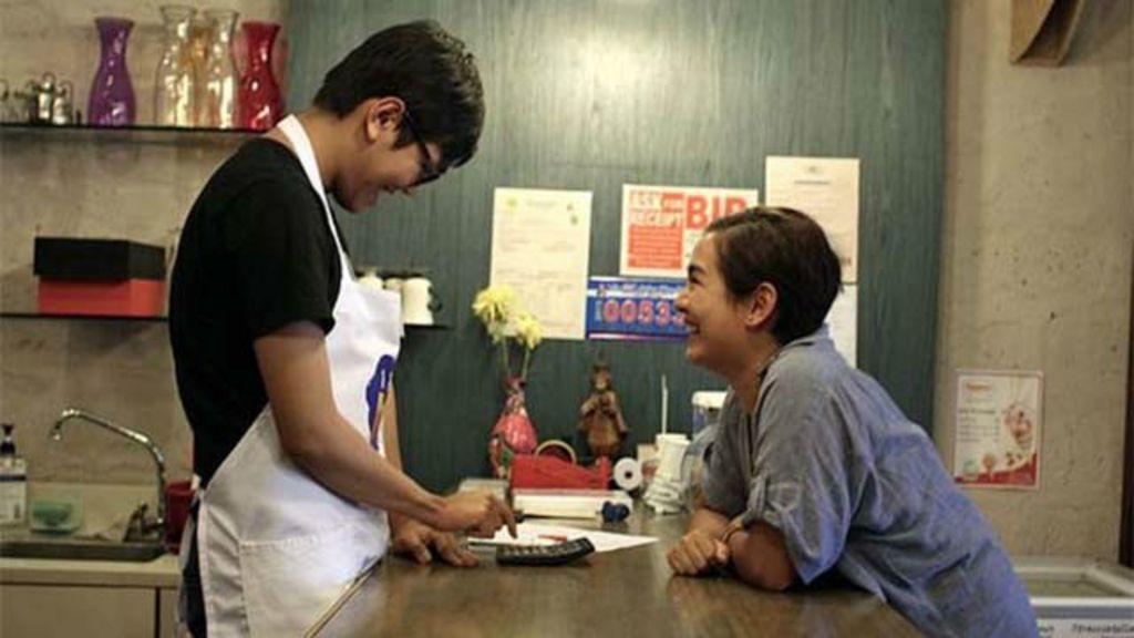 Café aberto para filho autista muda vida de deficientes filipinos ...
