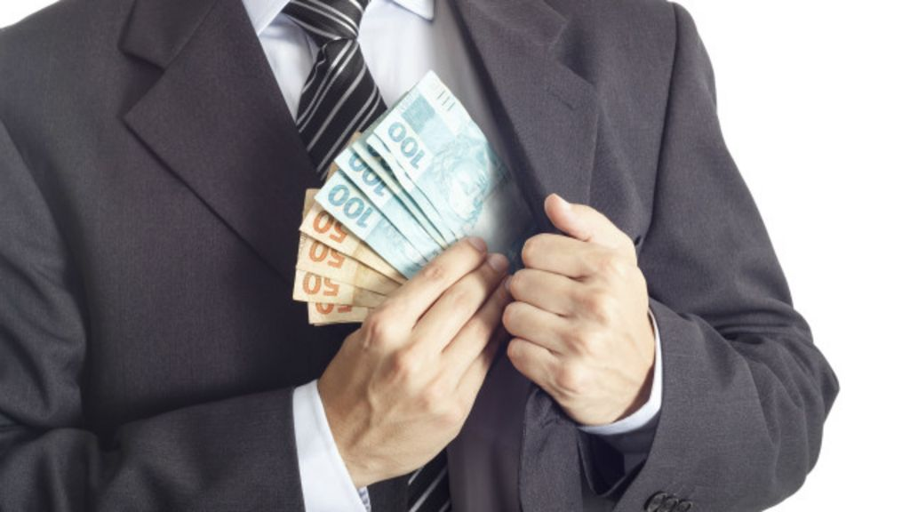 Brasil 'pouco ou nada fez' no combate à corrupção internacional, diz ...