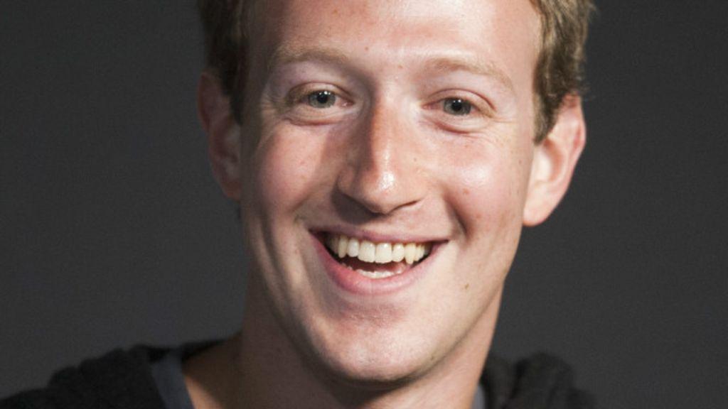 Três motivos para o criador do Facebook rir à toa – e um para se ...