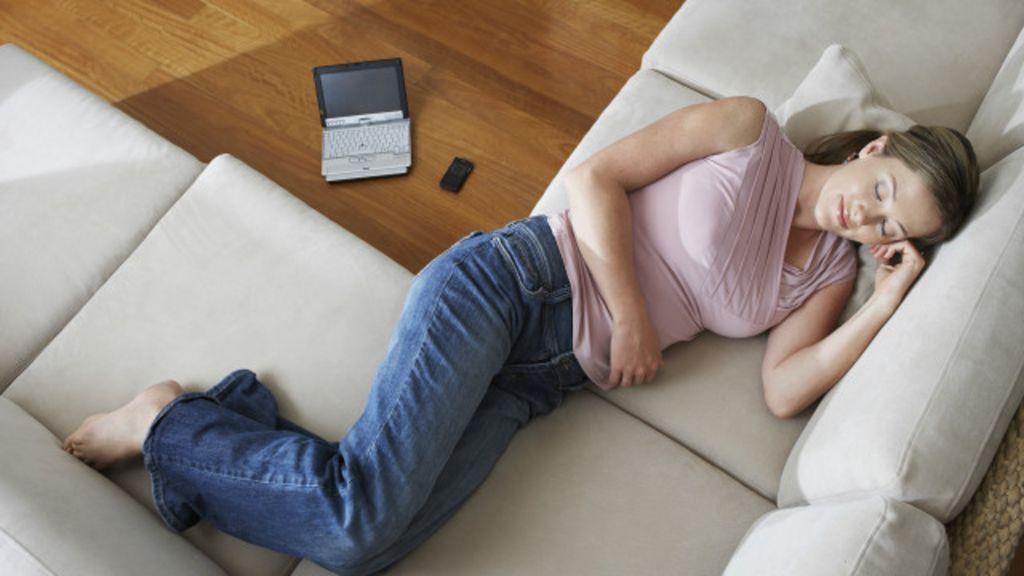 Soneca durante o dia diminui risco de infarto, diz estudo - BBC Brasil