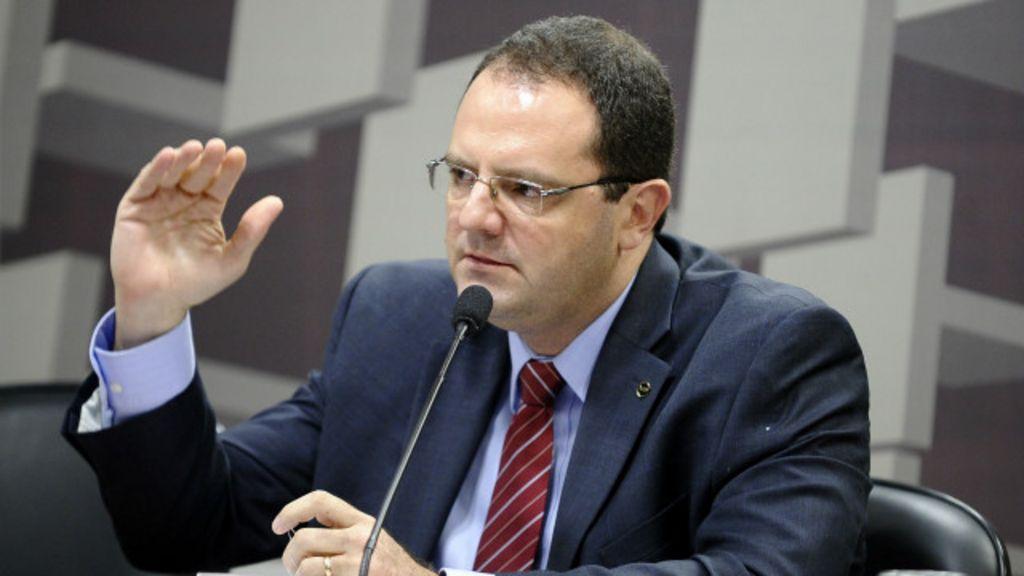 Três perguntas sobre o deficit no Orçamento federal - BBC Brasil