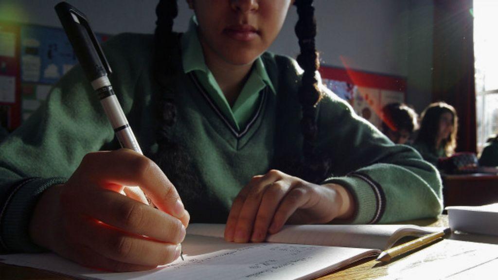 Estereótipo de que 'matemática é para garotos' afasta meninas da ...