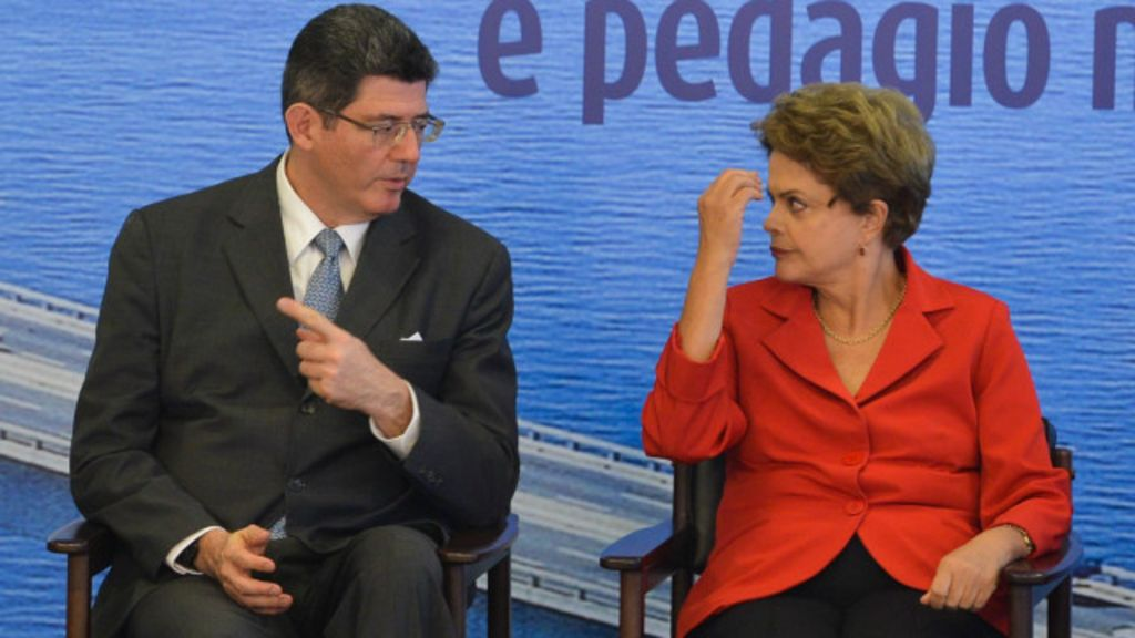 Equipe econômica sai 'chamuscada' de rebaixamento - BBC Brasil