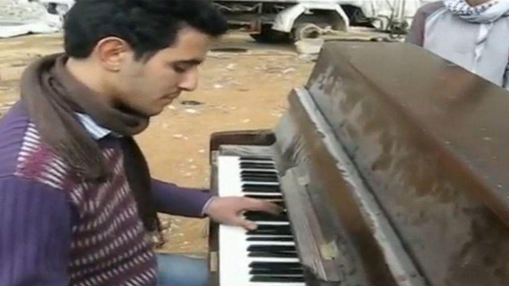 Pianista que 'desafiou' guerra com música em área devastada conta ...