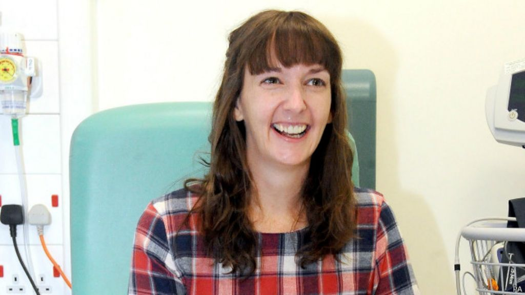 Enfermeira curada de ebola volta ao hospital na Grã-Bretanha ...