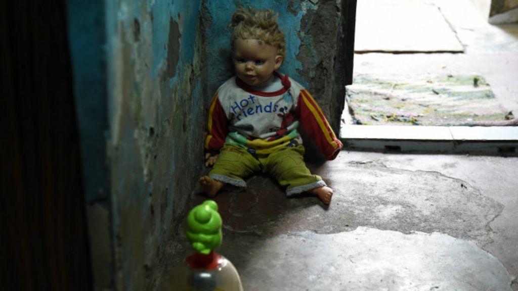 Onda de estupros de crianças provoca revolta na Índia - BBC Brasil