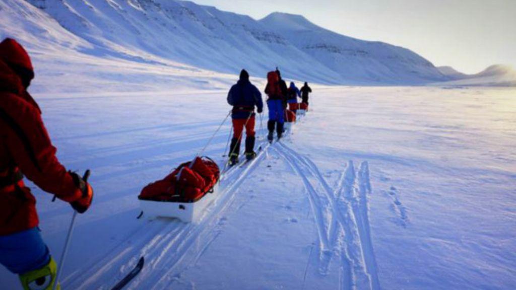 Expedição tenta alcançar 'lugar mais inacessível do mundo' - BBC ...