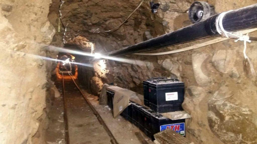 Polícia descobre 'túnel do tráfico' de quase 1 km entre México e ...