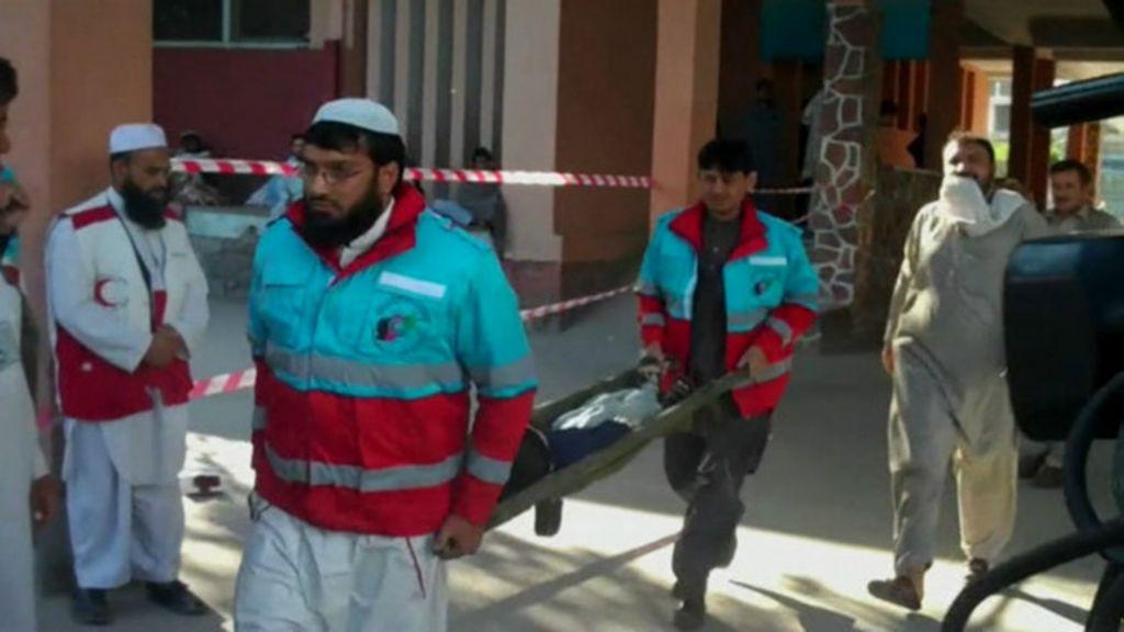 Imagens mostram destruição causada por terremoto em Paquistão e ...