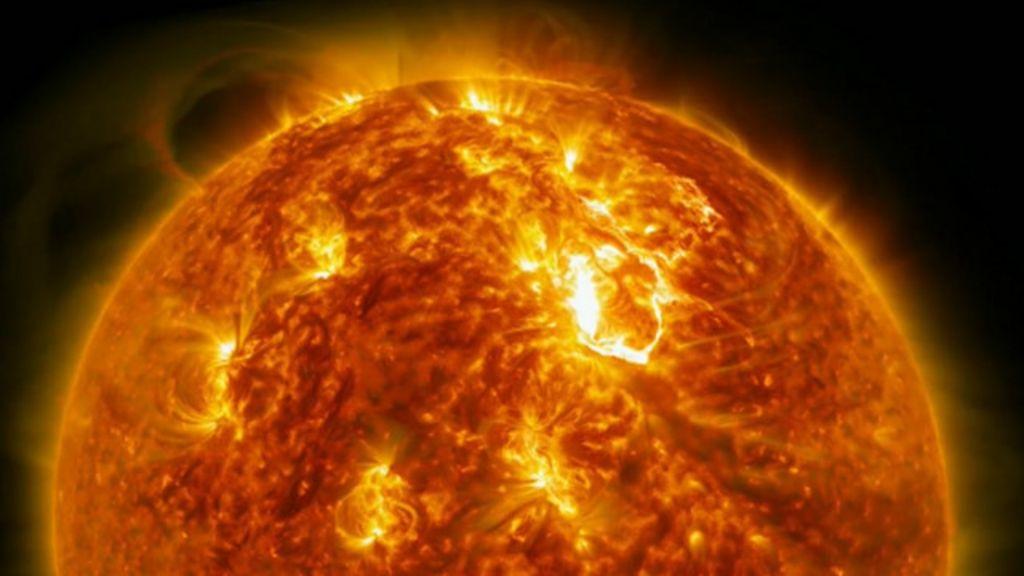 Nasa faz imagens inéditas do Sol em alta definição - BBC Brasil