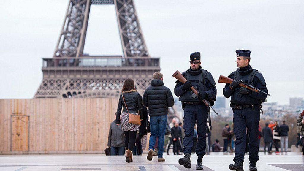Ataques em Paris: houve falha de segurança? Pergunta divide ...