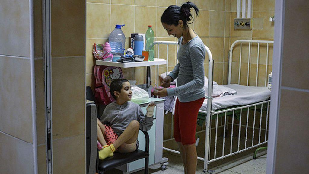 Cuba restringe la salida de sus médicos al extranjero - BBC Mundo