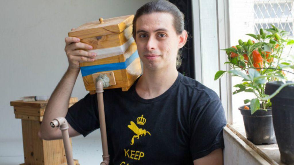 Estudante cria 5 mil abelhas em apartamento de 42 m⊃2; no centro de ...