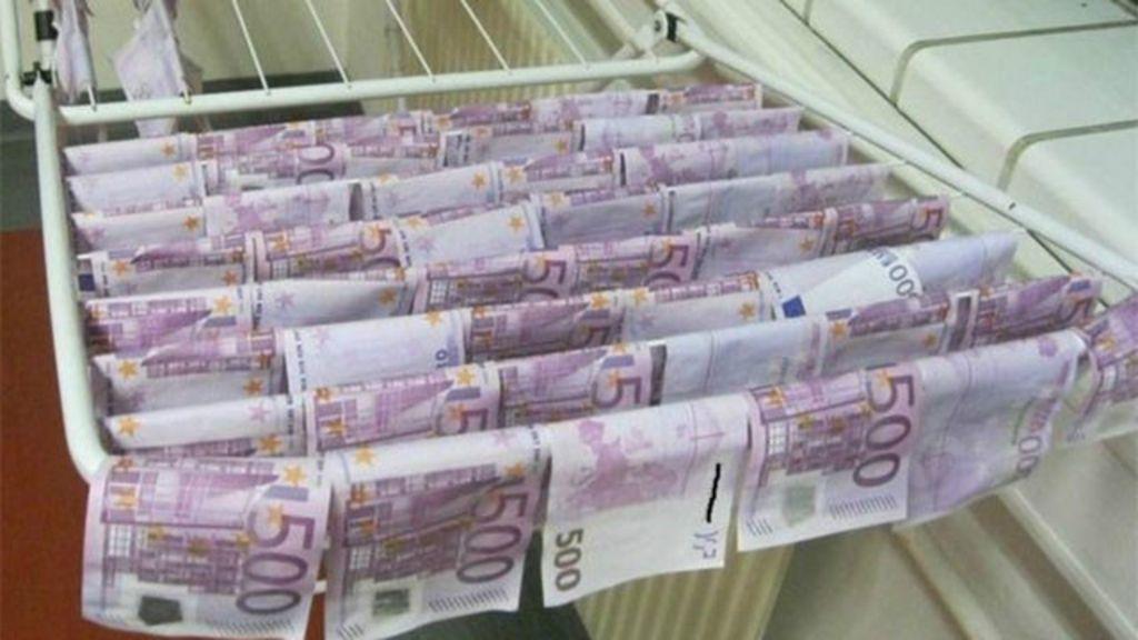 'resgata' milhares de euros das águas do rio Danúbio