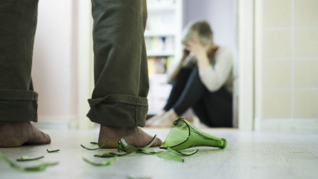 Ao prestar queixa de agressão de namorado, vítima diz ter ouvido ...