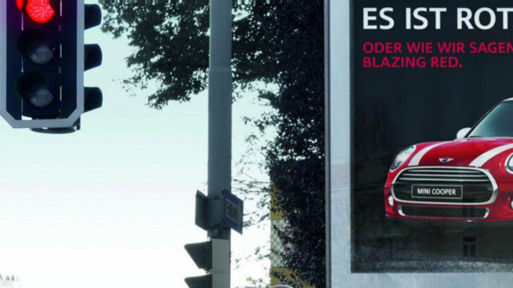 Na Áustria, publicidade muda de cor junto com o sinal de trânsito ...