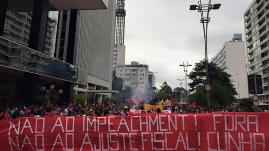 Grupos pró-governo vão às ruas para fazer frente a atos pelo ...