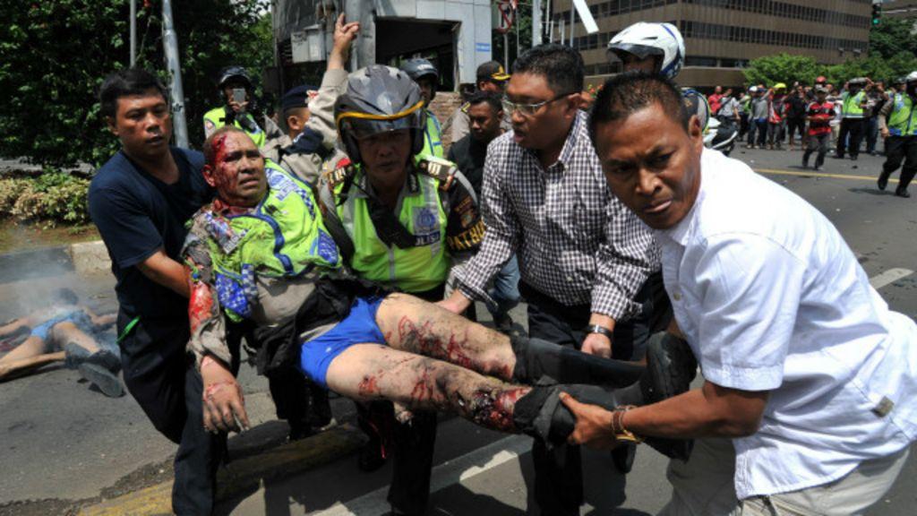Ataques a tiros e explosões deixam mortos e espalham pânico na ...