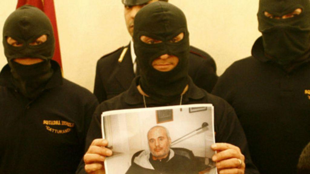 A vida secreta de um caçador de mafiosos na Itália - BBC Brasil