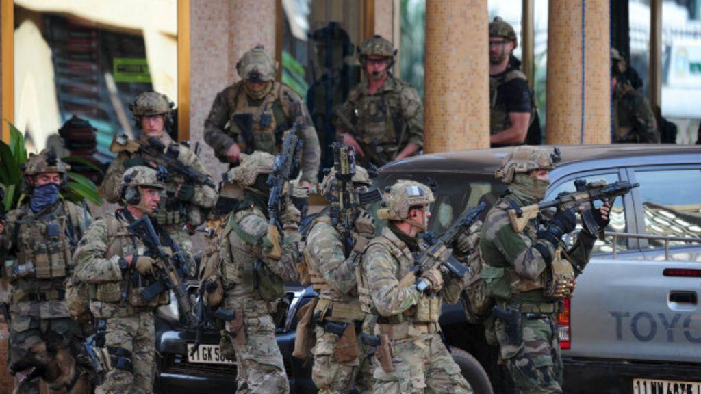 Cerco a hotel em Burkina Faso termina com reféns mortos - BBC ...