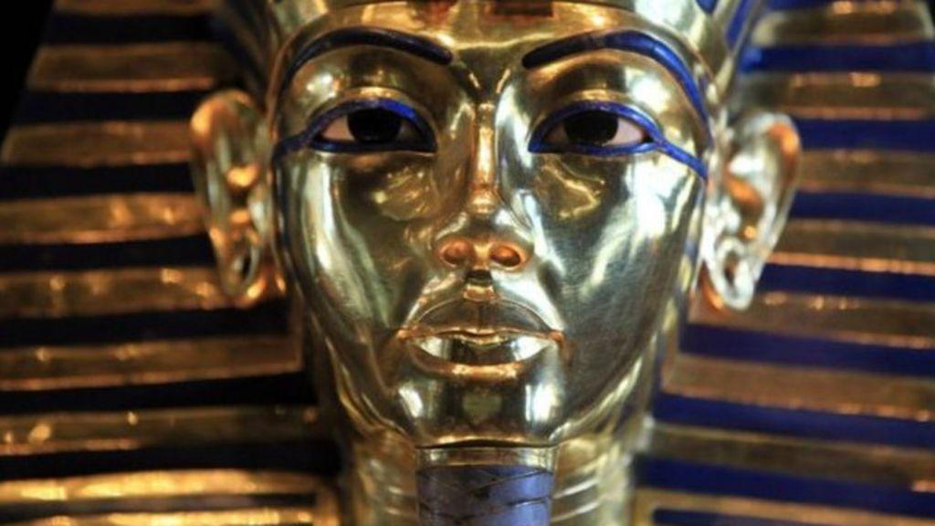 Egito manda oito a julgamento por quebra de máscara mortuária de ...
