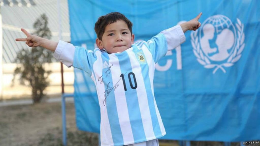 Poşet formalı Messi' ülkesini terk etmek zorunda kaldı