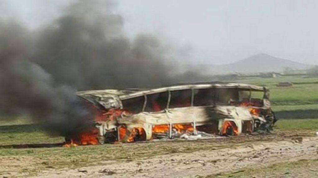 Afganistan'da trafik kazası 73 ölü