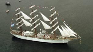 La Fragata Libertad fue objeto de disputa entre el gobierno argentino y los fondos buitre.