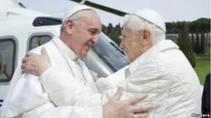 Hai vị tân và cựu giáo hoàng