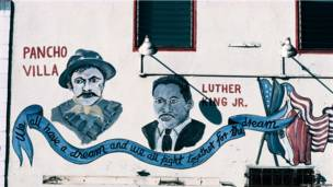 Luther King con Pancho Villa, Fish store, 47th St at Normandie Ave., 1997, LA