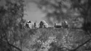 नुकुस के नजदीक मिज़्दाखान का कब्रिस्तान