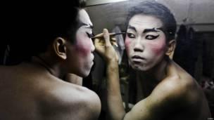wayang orang, foto oleh Ulet Ifansasti/Getty Images
